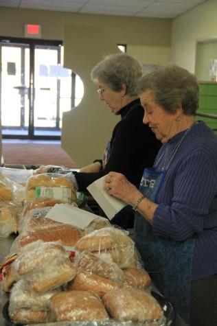 Volunteers make kitchen thrive