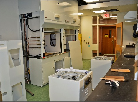 Chemistry Lab Remodel Disrupts Fall Semester Classes