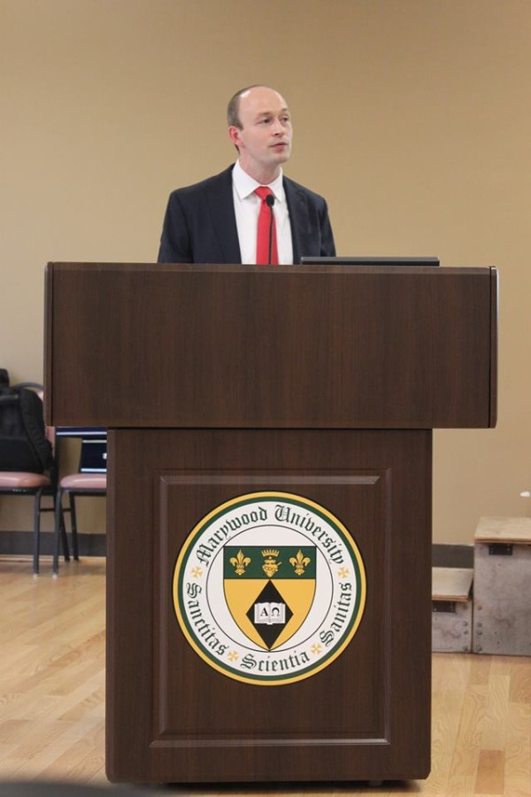 Political science professor gives lecture on Arab Spring