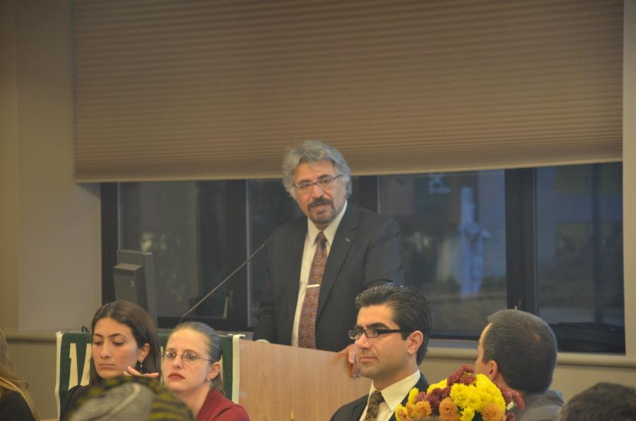 Dr.+Alexander+Dawoody+welcomes+all+of+the+students+present+at+the+UN+Day+event+during+his+introduction.