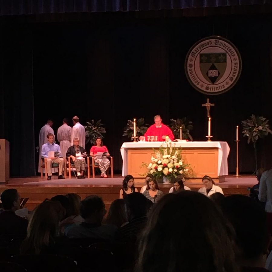 Reverend+Joseph+P.+Elston%2C+Chaplain+of+Marywood%2C+presides+mass.
