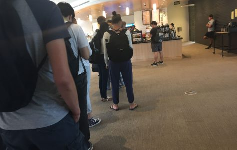 NEWS BRIEF: President emails students about long food lines