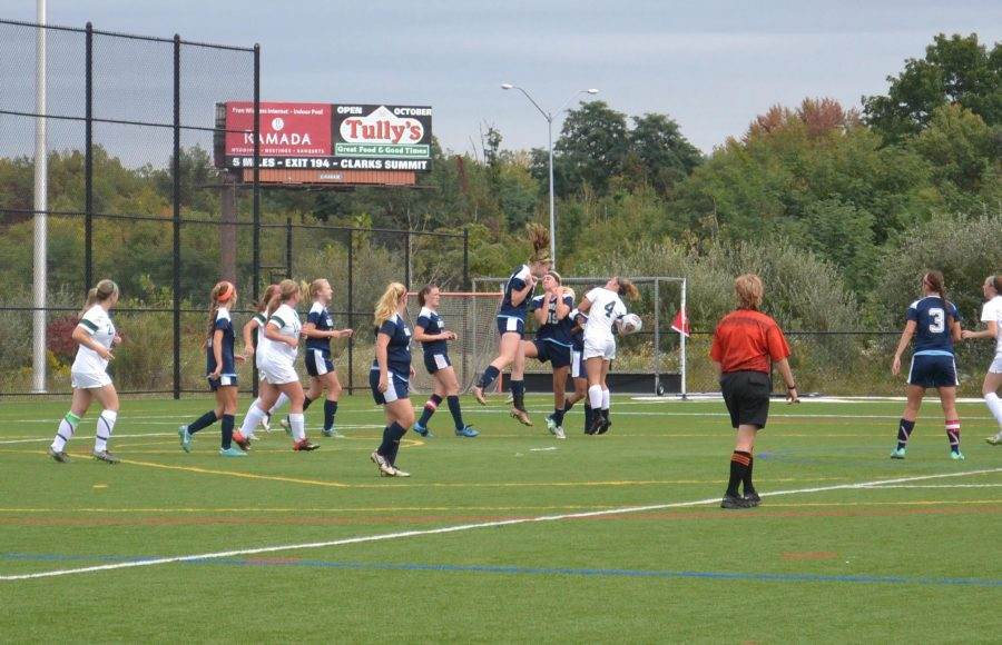SPORTS+BRIEF%3A+Women%E2%80%99s+soccer+extends+CSAC+winning+streak+to+six+games