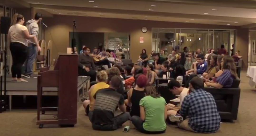 SAC holds first Coffeehouse of semester