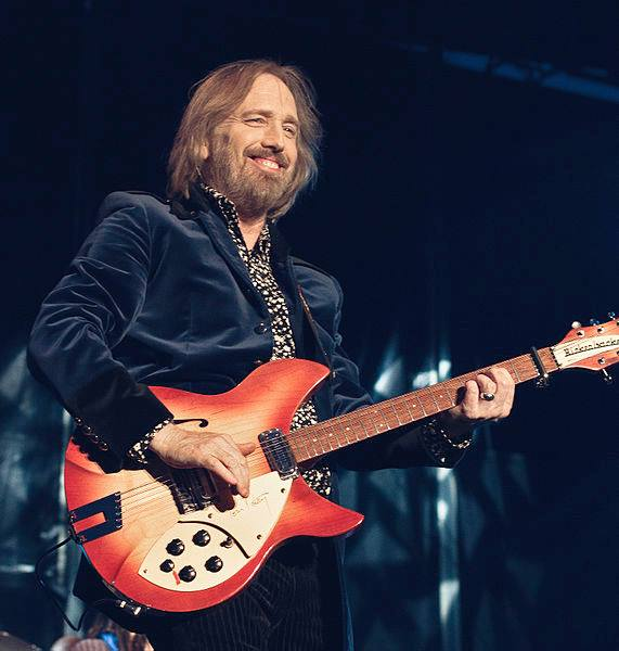 Attribution-Share Alike 3.0 Unported Tom Petty live in Horsens, Denmark by Ирина Лепнёва.