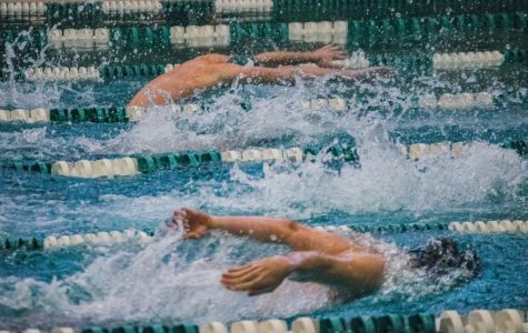 PACERS SPORTS REPORT: Swimming splits with Cabrini; men's basketball opens with victory