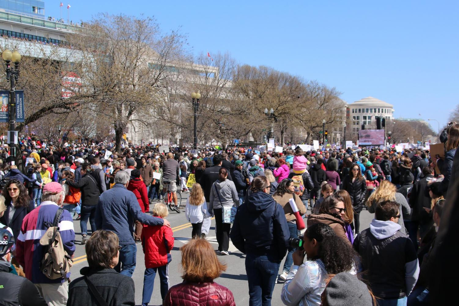 Thousands rally at March for Our Lives in Washington D.C.