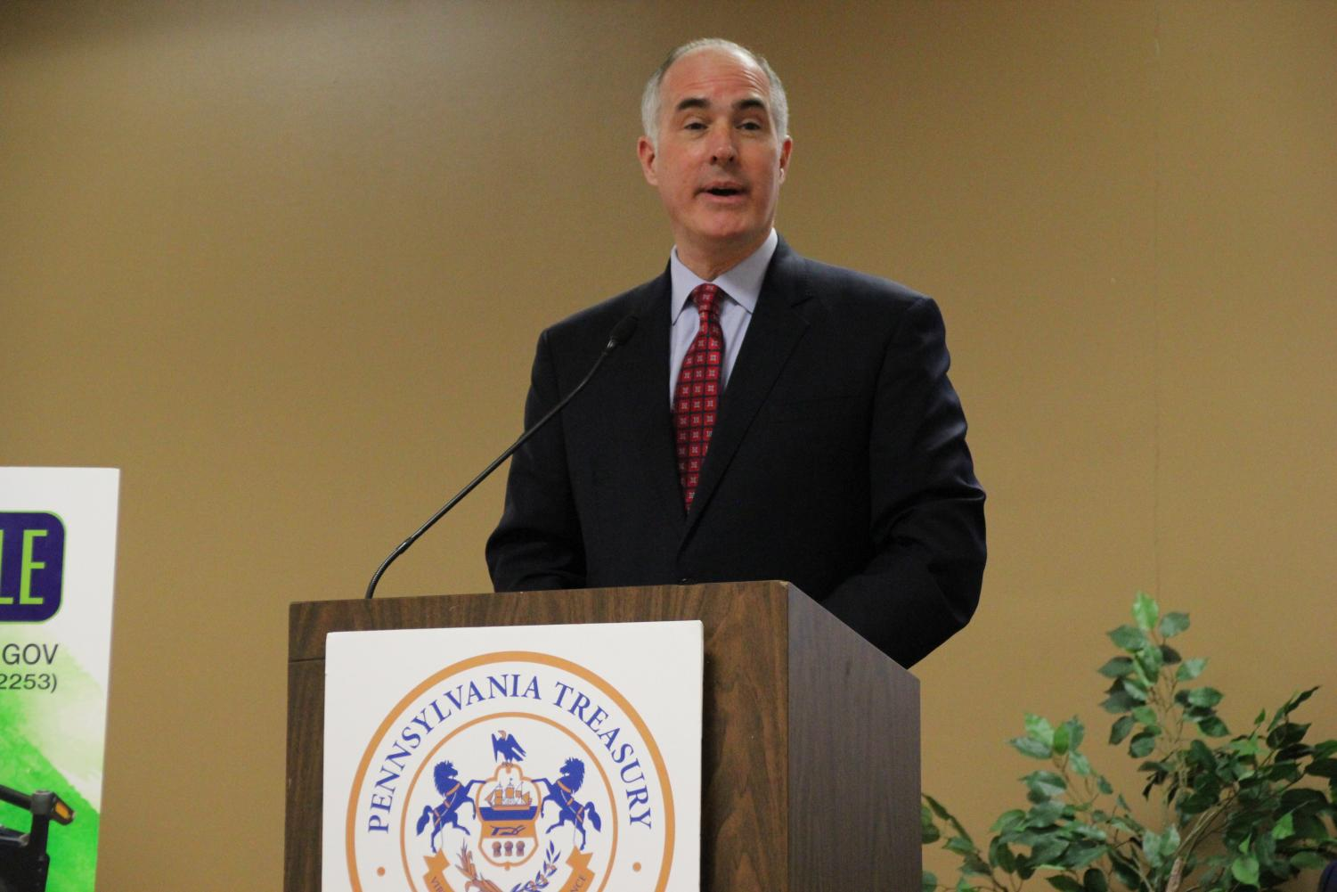 Senator Robert Casey discusses the ABLE Act at Marywood.